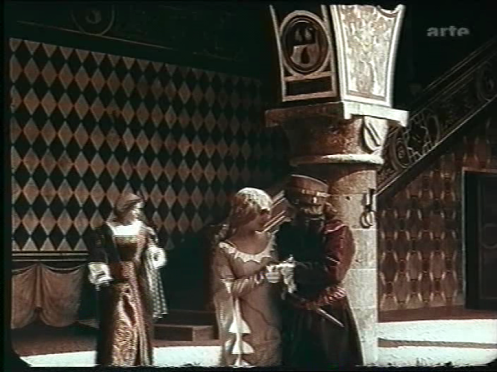 Courtyard of Giulietta's house. Romeo and Juliet secretly meet.